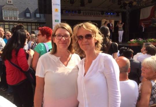 Bei der Eröffnung mit Claudia Dalbert (Vorsitzende Landtagsfraktion)